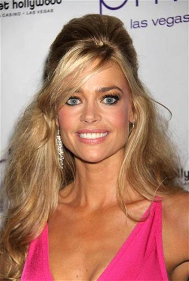 Spray Tan - Denise Richards